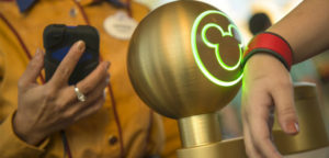 10 Lessons Disney's MagicBand Can Teach Other Theme Parks