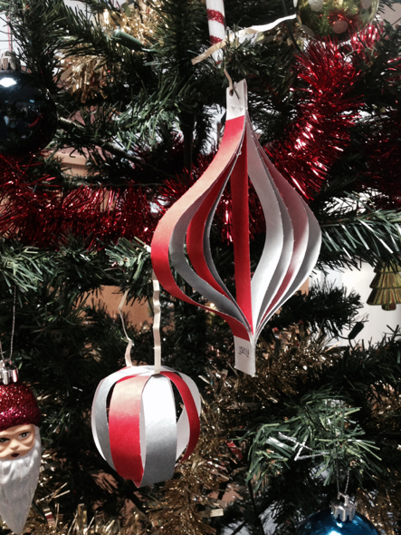 christmas-tree-tyvek-decorations